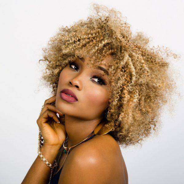woman-face-curly-hair-157920.jpeg